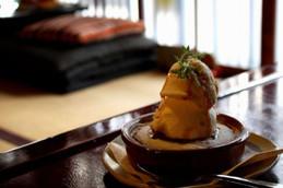 京都西陣・こたつのある町家カフェ「ひだまり」のベイクドチーズケーキ