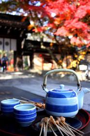 今宮神社門前のあぶり餅「かざりや」