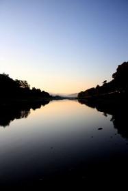 早朝の賀茂川