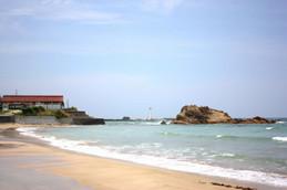 海開き直後の小天橋海水浴場