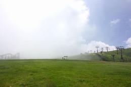 霧に包まれるびわ湖バレイ