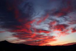 朝焼けの比叡山