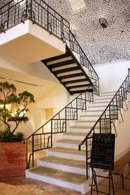 ラコリーナ カフェへ上がる階段