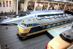 京都鉄道博物館の500系ほか