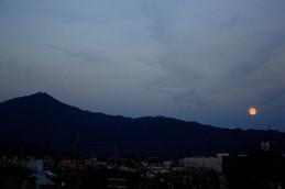 満月前夜の月の出